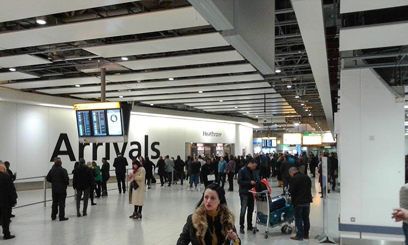 Зона для встречающих терминала 4 Хитроу