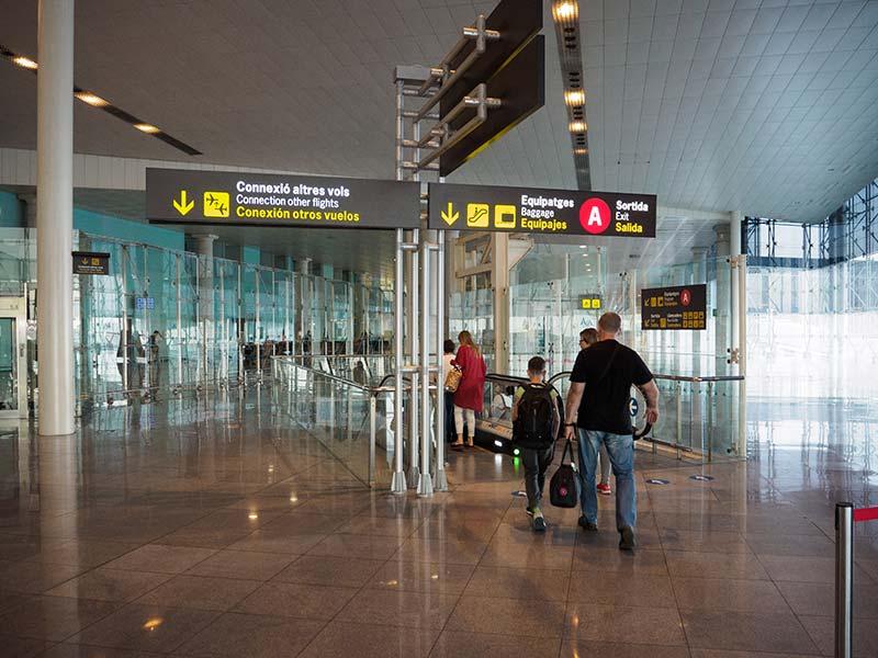 2. Указатель «Baggage» в Barcelona-El Prat