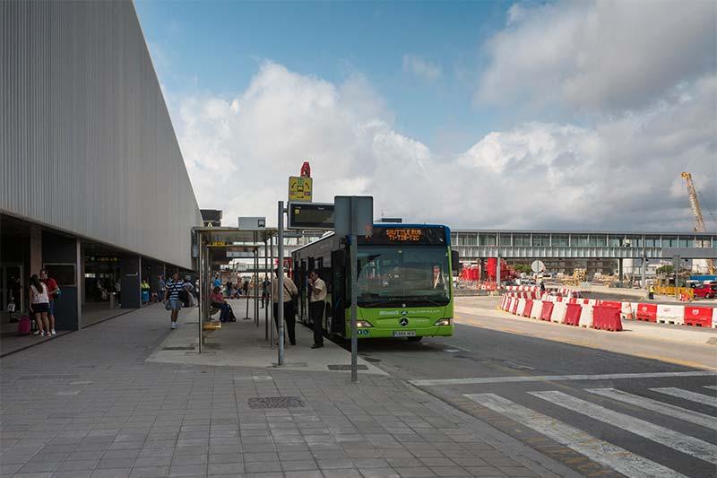 9. Остановка шаттла в аэропорту Barcelona-El Prat T2
